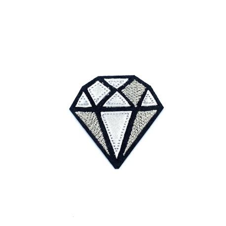 Aplikacja diament - dekoracyjna naszywka na ubranie.
