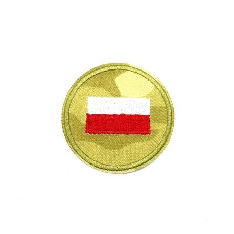 Aplikacja narodowa z flagą polski i milatarnym tłem.