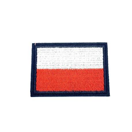 Aplikacja narodowa - naprasowanka na ubranie we wzorze flagi Polski.