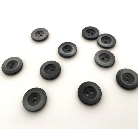 Guzik czarno-biały z wklęśnięciem 18mm (1)