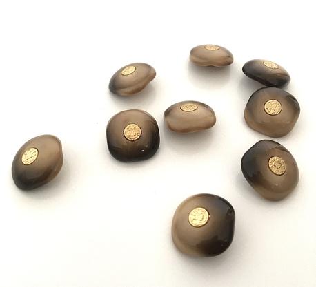 Guzik kawowy ze złotym herbem 21mm (1)
