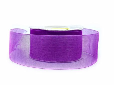 Delikatna szyfonowa tasiemka w kolorze purpurowym - wykonasz z niej akcesoria w odzieży lub przyozdobisz prezent.