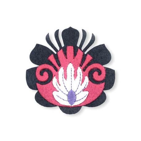Aplikacja kwiatek z filcu czarny do dekoracji