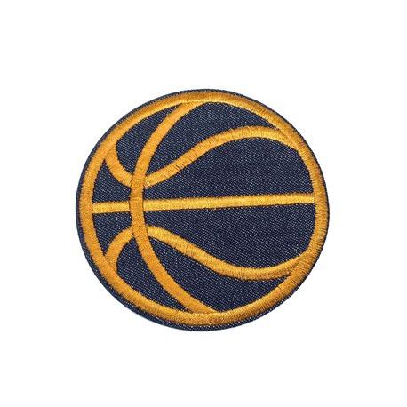 Aplikacja sportowa do naprasowania w kształcie piłki do koszykówki.