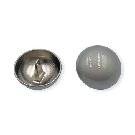 Matowy guzik ozdobny w kolorze srebrnym do odzieży